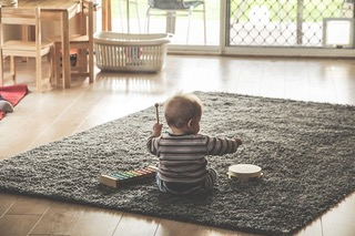 「甘やかす」と「褒めて伸ばす」違いとは 子どもが成功体験を積むために大人が取り組む5つのこと